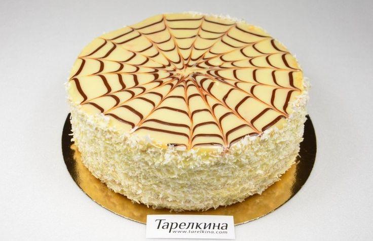 Эстерхази — миндально-шоколадный торт, названный в честь Пала Антала Эстерхази. Это одна из вариаций этого торта, потому как готовят его на основе разных орехов и с разными кремами, а сам торт вкусный, красивый, необычный.