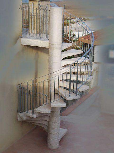 Pi di 25 fantastiche idee su interni in calcestruzzo su - Scale minimo ingombro ...