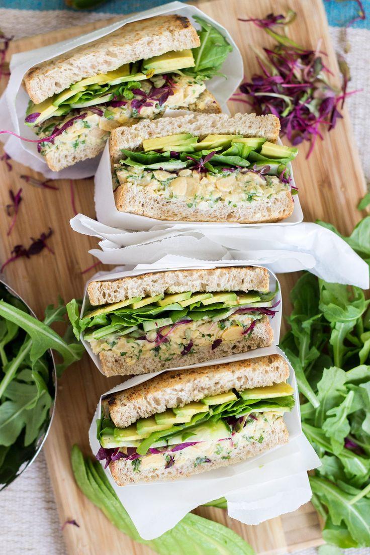 Green Chickpea Salad and Avocado Panini   Zeleni panini s čičerikino solato in avokadom - Dear Kitchen! #vegan
