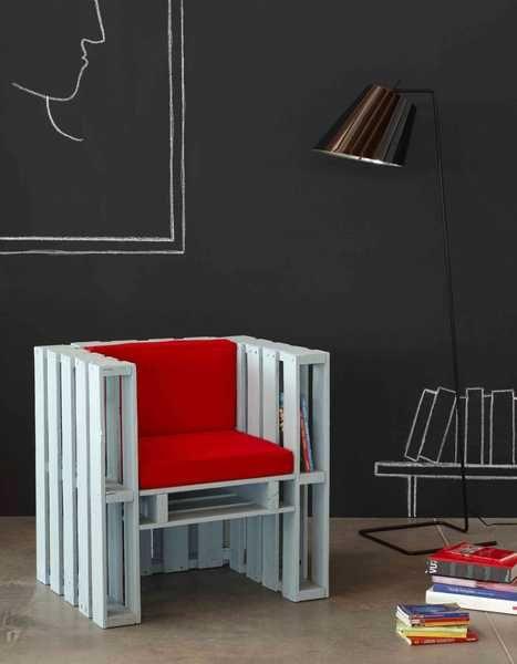 strak en handig | fauteuil van pallets | door wit aflakken oogt de fauteuil minder ruw