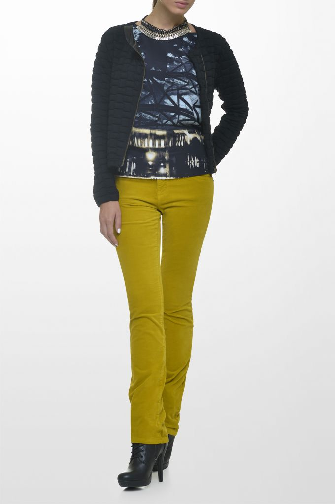 Sarah Lawrence - quilted side zip jacket, short sleeve printed top, straight leg velvet pant, necklace.