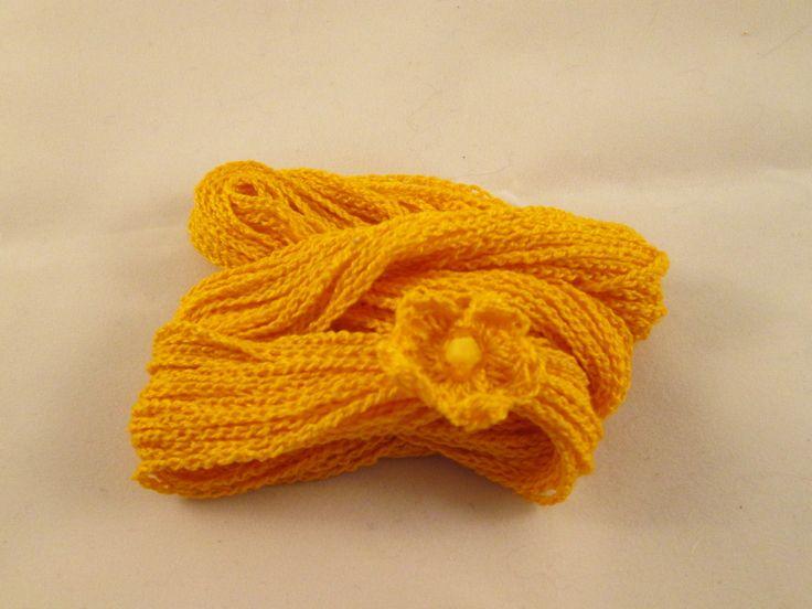 Braccialetto/collana giallo fatto all'uncinetto