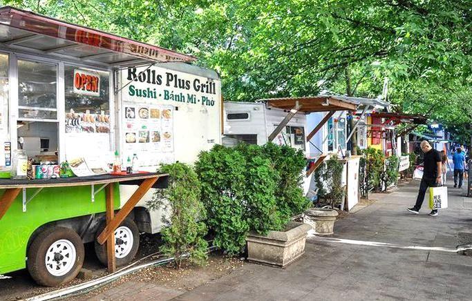 Things To Do In Portland Oregon Food Truck Pod In 2020 Portland Oregon Food Downtown Portland Oregon Portland Travel