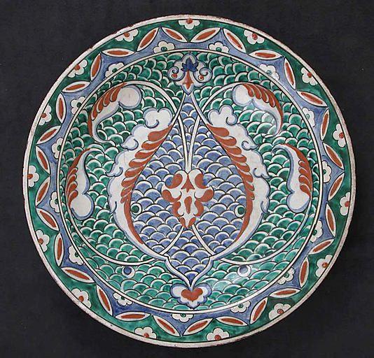 Dish with scale-pattern design | Iznik, Turkey, ca. 1575-1580 | Earthenware; polychrome painted under transparent glaze | The Metropolitan Museum of Art, New York