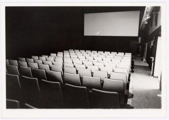 Interieur bioscoopzaal van het Duo Theater (nr. 2) aan de Westsingel.   if then is now