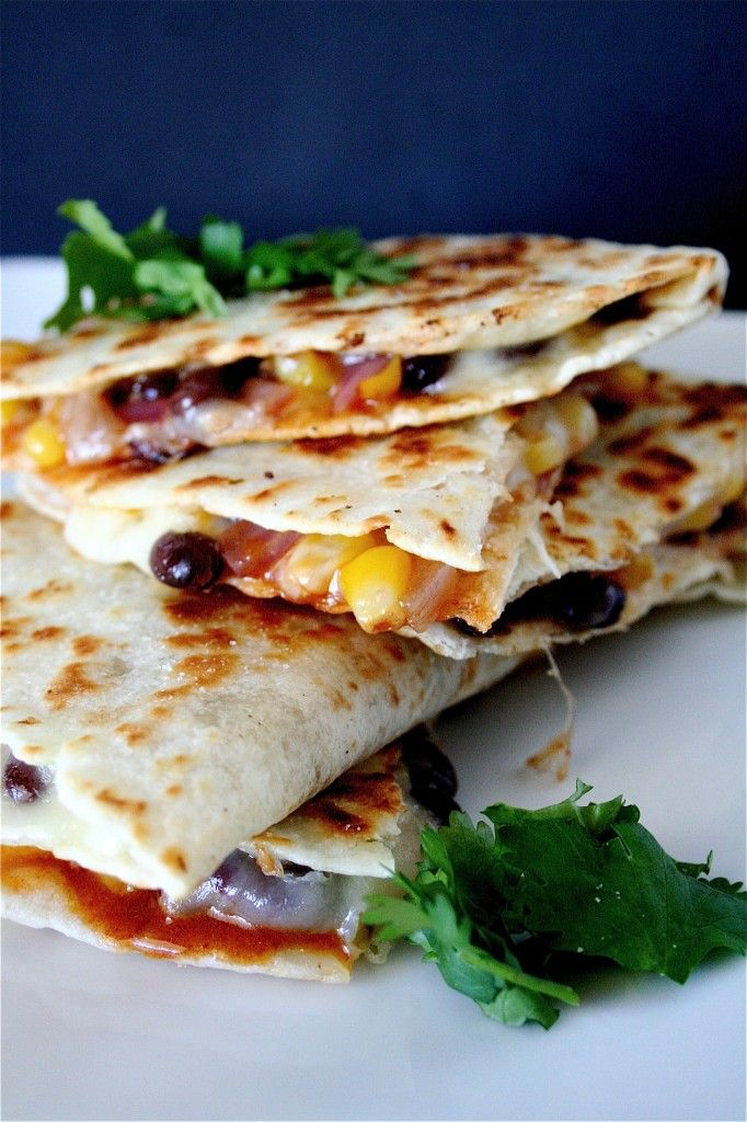Black Bean Quesadillas | The Curvy Carrot Black Bean Quesadillas | Healthy and Indulgent Meals Dangling in Front of You    compare to  1 can (15 oz) black beans  1 cup corn  1/2 small onion, chopped  1 bell pepper, chopped  Shredded cheese  Fresh Cilantro  Taco seasoning or cumin  Avocado  Salsa