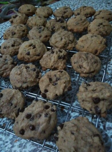 my own version of chocolate chips cookies.... happy baking!!!!