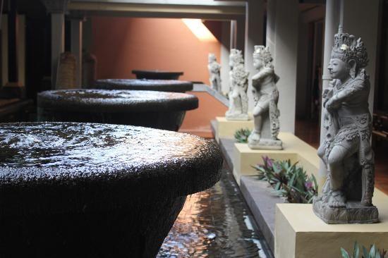 Bali Garden Beach Resort: Foyer