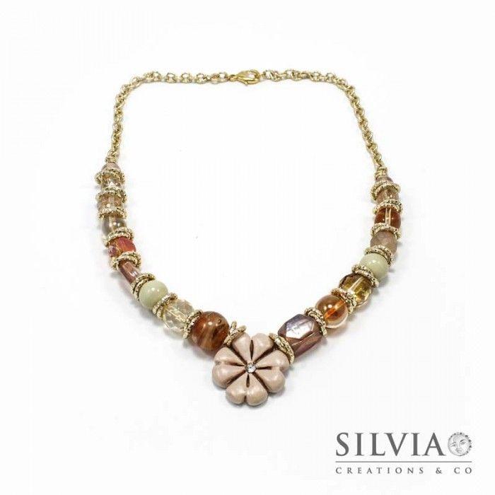 Collana perle di vetro e catena con quadrifoglio beige