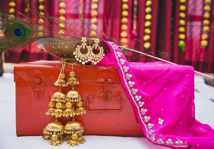Three tier golden kalire with round embellishments andghungroos  #trending #trendingbridalaccessories ##accessoriesideas #latestbridaltrend #goldenkalire #beautifuljewellery