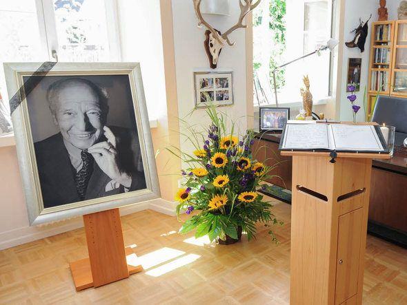 Kondolenzbuch in Walter Scheels Büro in Bad Krozingen. August 2016 | Foto: dpa