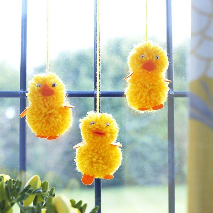 Make Easter chicks from pompoms