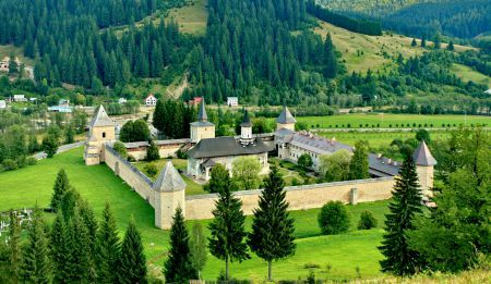 Sucevita, Romania www.haisitu.ro #haisitu #sucevita #monastery