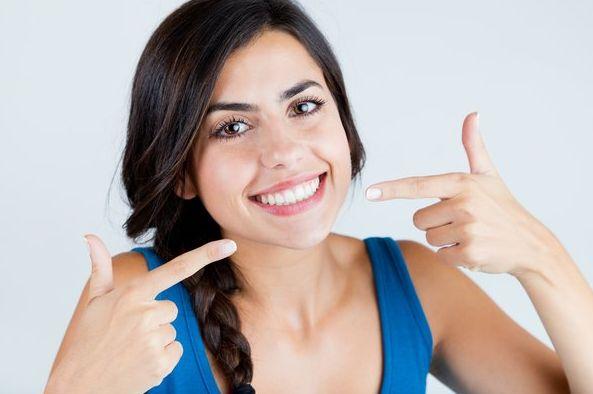 Φυσική Λεύκανση Δοντιών ΧΩΡΙΣ ΚΟΣΤΟΣ και Ταλαιπωρία