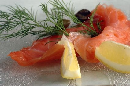 Nutritional Differences Between Canned Salmon, Fresh Salmon and Frozen Salmon