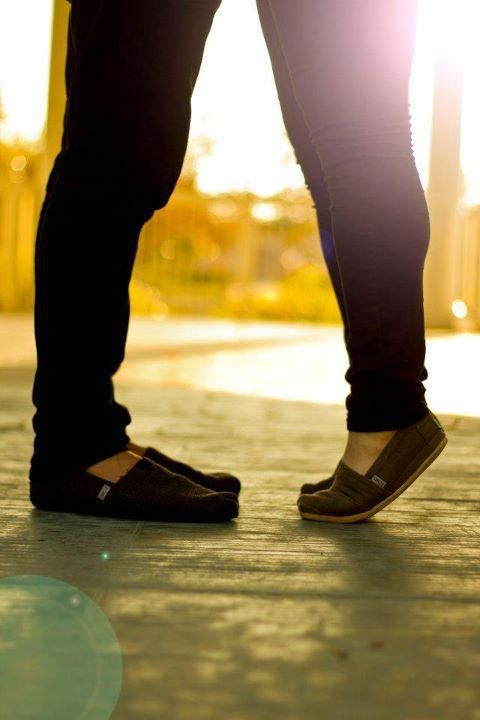 TOMS <3Tom Outlets, Engagement Pictures, Engagement Photos, Tom Shoes, Cheap Tom, Toms Shoes Outlet, Engagement Pics, Christmas Gift, Discount Tom