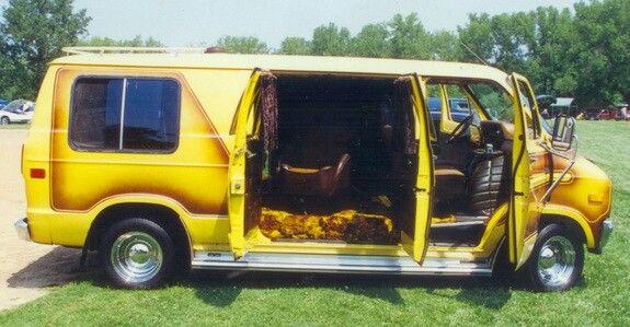 https://i.pinimg.com/736x/90/07/be/9007be091d3b271558584924b60ec3a5--chevy-vans-custom-vans.jpg