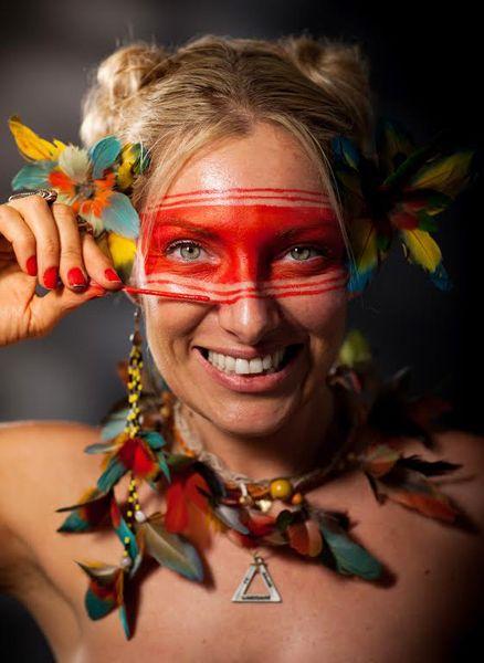 Cara pintada: Em experiência com índios, maquiadora aprende sobre a cultura e pinturas faciais - Portal da Maquiagem