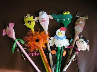 Süss, alkoss...!: Fakanál báb, wooden spoon puppet, animals