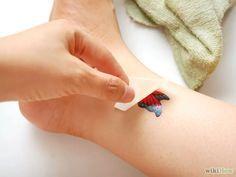 Aprende a hacer un tatuaje temporal vía es.wikihow.com