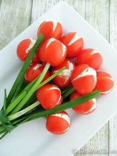 The perfect Spring or Easter Appetizer. PErfect for a dinner party table decoration. You have to try this Tulip Tomatoes Recipe!