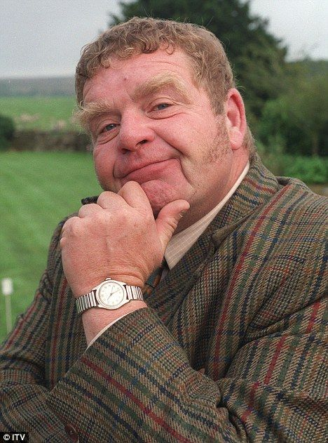 RIP Geoffrey Hughes Heartbeat, Vernon Scripps, Keeping Up Appearances, Onslow,  Coronation Street, Eddy Yeates