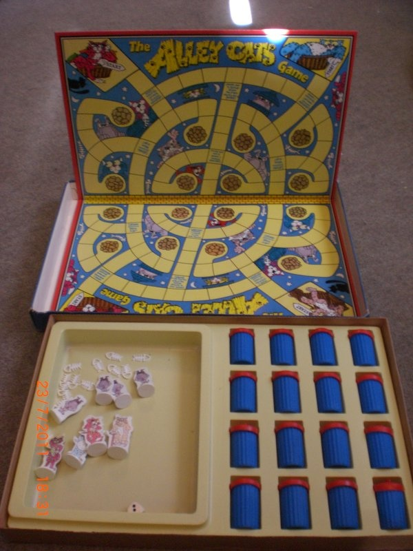 Alley Cats board game ... another one I used to play with my nana ...