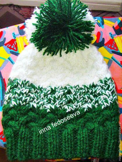 Шапки ручной работы. Ярмарка Мастеров - ручная работа. Купить вязаная шапка Темно-зеленый градиент. Handmade. Тёмно-зелёный