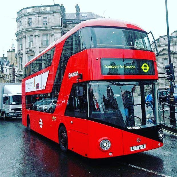 #Buendia a todos!! #Buenmartes  Los icónicos autobuses rojos de dos pisos que circulan por las calles de #Londres comenzaron a incorporar combustible preparado con residuos de #café.  Esta fuente de#energíaalternativaa los combustibles fósiles tradicionales se prepara mediante una mezcla de diésel con aceite extraído de los posos de café recogidos en las cafeterías y fábricas de café instantáneo.  De esta manera se obtiene un #biocombustible llamado #B20. Bio-bean la empresa encargada de…
