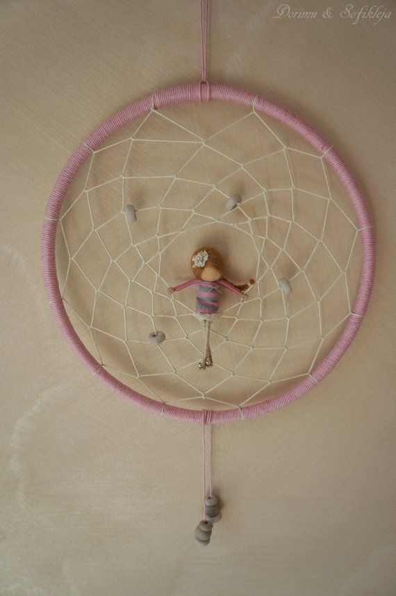 OOAK Dreamcatcher mit Fairy - Dorimu & Sofikleja (blass rosa/weiss) - FREE SHIPPING
