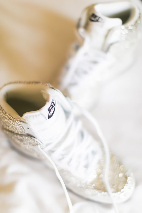 This bride gets fucked by jeweled Nikes