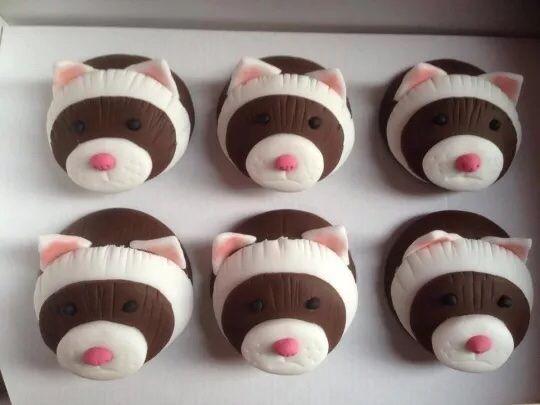 Ferret cupcake