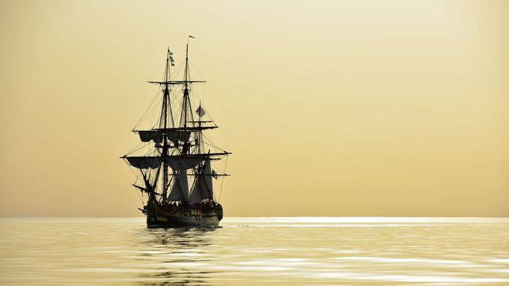Le 15 avril 2015, la nouvelle Hermione effectue une dernière sortie avant le grand départ vers Yorktown en Virgine, elle effectuera le même voyage qui mena le général français Gilbert du Motier, Marquis de Lafayette afin d'aider les indépendantistes américains à combattre les troupes britanniques en 1780.