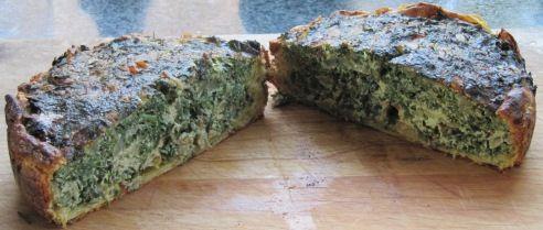 Zevenbladtaartje met daslook en brandnetel - taart open en breed.jpg