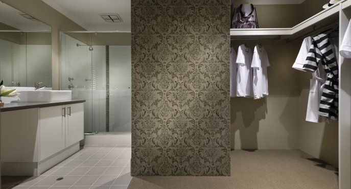 Bathroom / WIR feature separation