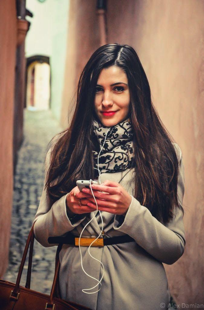 Mihaela la #ascultacumine pe www.alexdamian.ro