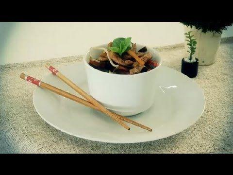 Como cozinhar vegetais na panela wok com frango : Almoços de última hora - YouTube