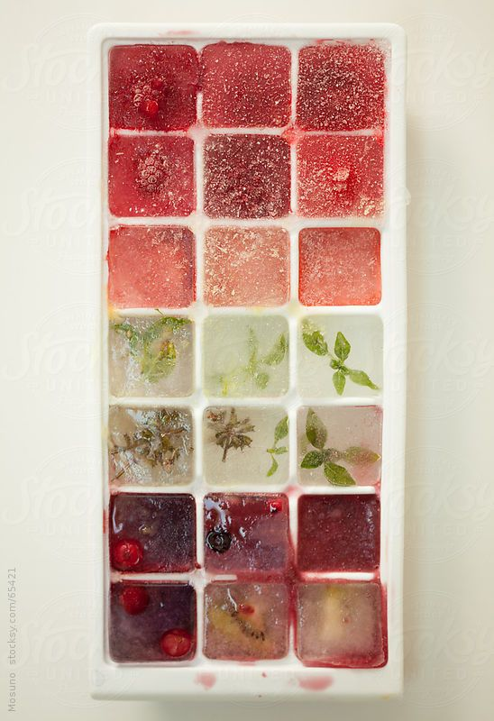 Ice cubes filled with fruit.  by Mosuno