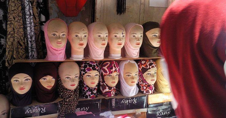 Somalian shopkeeper enforces Sharia in Sweden