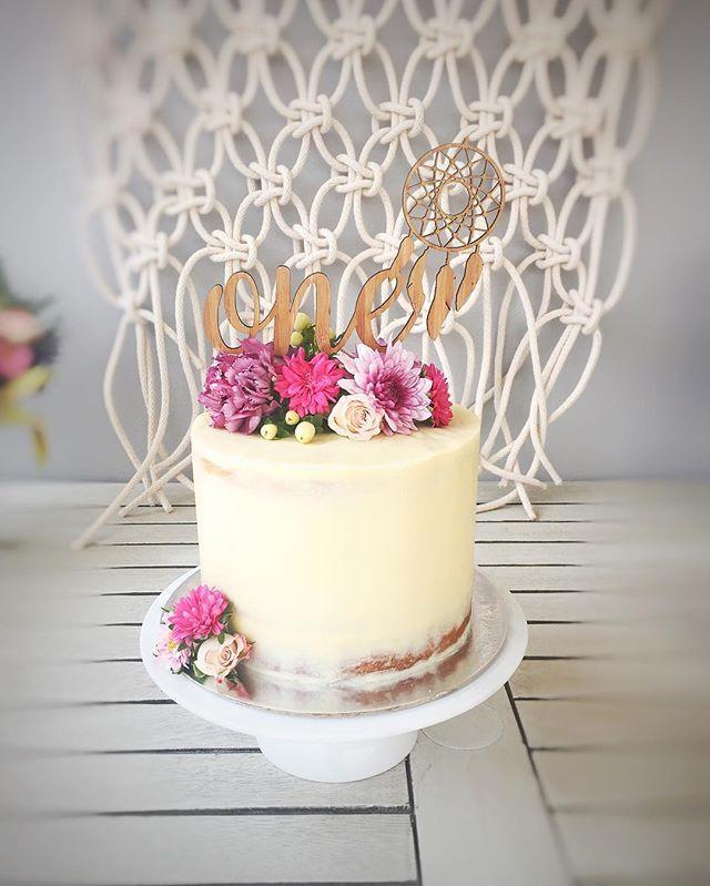 Boho birthday cake @merrymakerandco topper:  @_etched #bohobaby perth cakes florals seminakedcake boho birthday macrame wild one first birthday boho baby perth