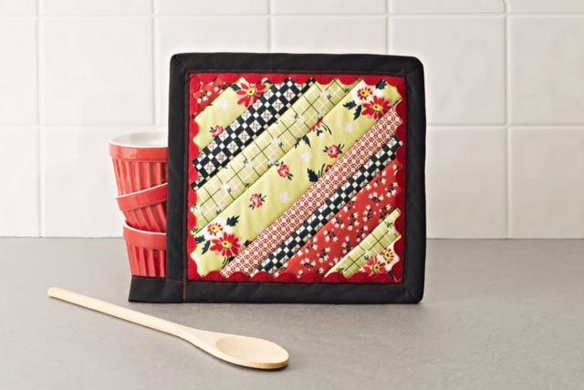 Aunt Betty's Strip Pieced Potholder By: Barbara Parsons Cartier from Simplicity