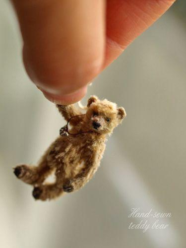 met de hand genaaid teddybeer