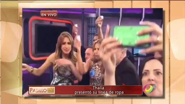 Thalía fue invitada al programa de el Gordo y la Flaca para presentar su marca de ropa y brindó junto con Lili Estefan y Raúl de Molina por el éxito