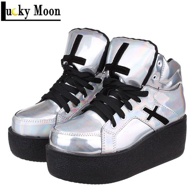 Oversize 34 ~ 40 hoge kwaliteit vrouwen platform harajuku goth punk mode laarzen lace up zwarte kleine cross schoenen