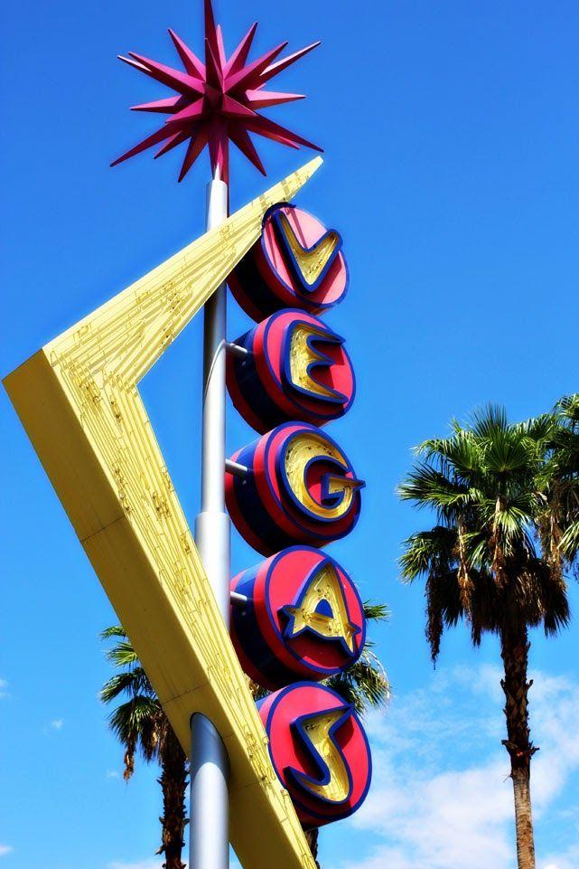 Vintage Vegas sign on Fremont Street
