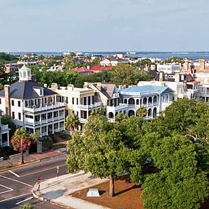 An aerial view of the Battery Street neighborhood in Charleston, South Carolina, reveals a number of large historic homes.