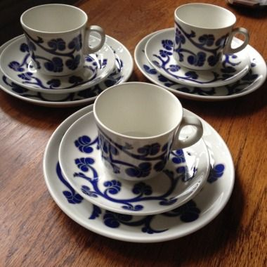 Arabia Finland, Lyydia, designer Laila Hakala. 3 cups and 6 plates 45e Huuto.net