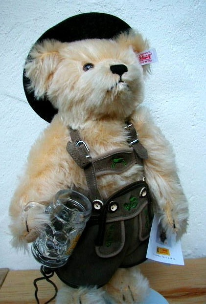 Steiff makes Teddy Bears with Style.: Alps Today, Steiff Bears, Gifts Ideas, Teddy Bears, German Teddy, Style Teddy, Bears N Freind, Bavarian Steiff, Steiff Teddy