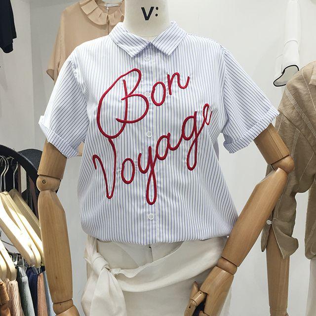 Aliexpress.com: Koop Zomer Vrouwen Koreaanse Modemerk Blouse Korte Mouw Letters Borduren Blauw Gestreepte Katoenen Shirt Dames Top Losse Shirts van betrouwbare shirt lady leveranciers op bebobson' Playful