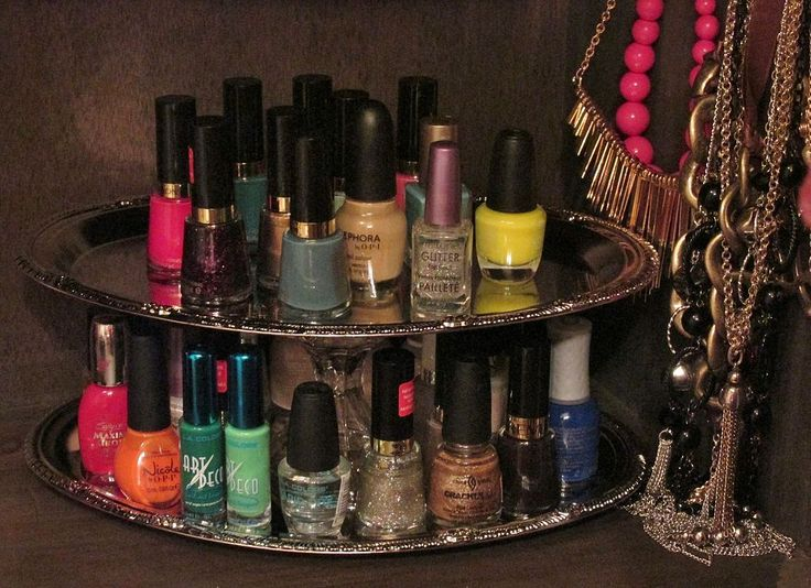 Organizing+Nail+Polish+with+Repurposed+Dollar+Store+Trays